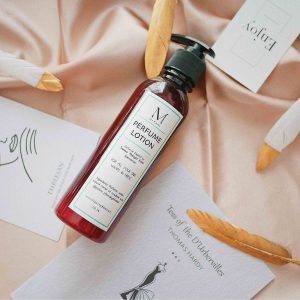 Treasor Midnight Rose perfume lotion