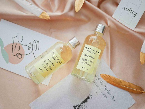 English Pear & Freesia Perfume Reed Diffuser